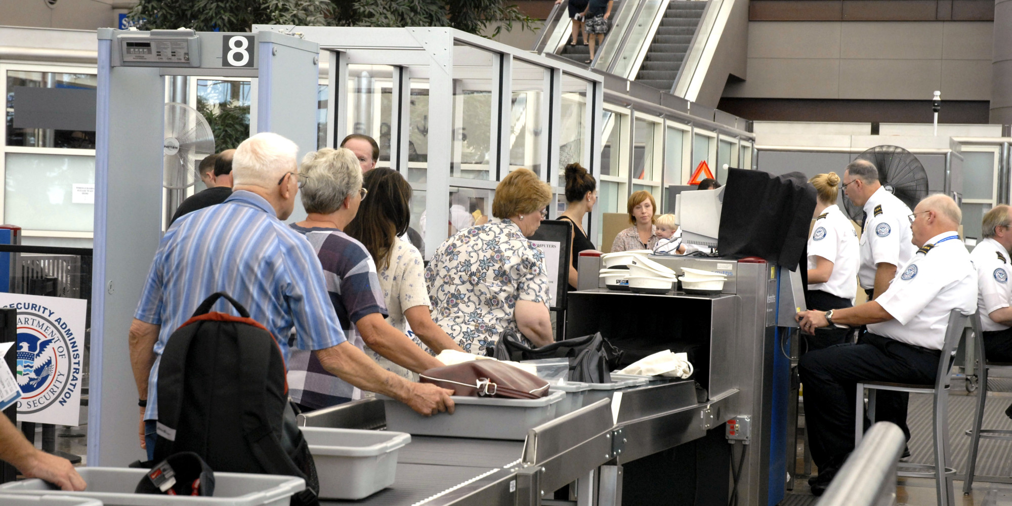 How to Get Through Airport Security with Kids advise